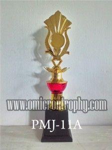 Jual Piala Banjarmasin Jual Piala Marmer Murah Banjarmasin, Sentral Piala Banjarmasin, Tempat Jual Piala di Banjarmasin, Toko Piala Banjarmasin