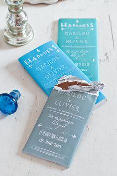 Un save the date sur tablette de chocolat pour un mariage sur le thème de la gourmandise
