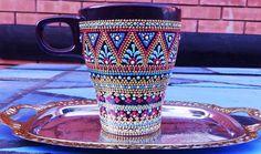 Одноклассники Glass Painting Designs, Dot Art Painting, Mandala Painting, Ceramic Painting, Painted Coffee Mugs, Hand Painted Mugs, Painted Jars, Vases, Etched Wine Glasses