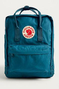 98b0b530e206 Fjallraven Kanken Lake Blue Backpack. CorbeauUrban OutfittersSacs À Dos