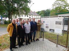 Mahnort an der Muna: Eine Gedenktafel erinnert an die Geschichte der ehemaligen Heeresmunitionsanstalt und die Zwangsarbeiter.