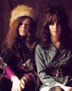 Queen Bees of Rock & Roll: 13 Cool Pics of Grace Slick With Janis Joplin in the Late 1960s