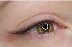 Eyeliner Flick, Thin Eyeliner, Perfect Winged Eyeliner, Eyeliner Tattoo, Eyeliner Looks, Makeup Tattoos, Semi Permanent Eyeliner, Permanent Makeup Eyebrows, Eyebrows On Fleek