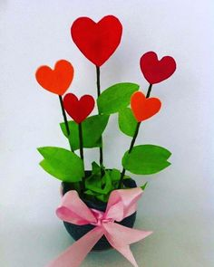 It's a cute decorative item for Valentine. It's a fun craft for everyone and easy enough for kids to engage. Diy Valentine's Day Decorations, Valentines Day Decorations, Valentines Day Party, Valentine Day Crafts, Holiday Crafts, Decor Ideas, Diy Arts And Crafts, Crafts For Kids, Paper Crafts