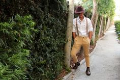 Guide to what men should wear to Dapper Day [DIY Disney Fashion] Modest Halloween Costumes, Disney Costumes, Indiana Jones, Fall 2015 Outfits, Dapper Day Outfits, Adventure Style, Disney Diy, Disneybound, Disney Style