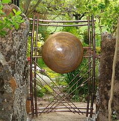Copper gate with giant copper gong. Garden Entrance, Entrance Gates, Door Gate, Fence Gate, Small Garden Gates, Gates And Railings, Steel Gate Design, Gate Way, One Step Beyond