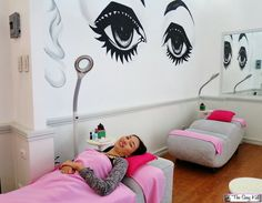 They only use Silk/Milk eyelashes, which are individually applied one lash  at a time, and it takes about an hour for their eyelash extension procedure.