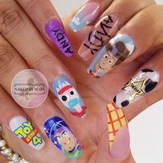 These Disney nail art ideas are totally MAGICAL! From Princesses and Minnie Mouse to Toy Story and the Lion King so many great ideas here to try yourself! Disney World Nails, Disney Nails, Disney Acrylic Nails, Best Acrylic Nails, Aycrlic Nails, Diva Nails, Nail Nail, Toy Story Nails, Disney Inspired Nails