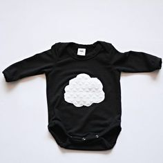 Super soft babygrow with cloud detail Unisex design Month Colors, Little My, Short Sleeves, Long Sleeve, Cloud, Gray Color, Unisex, Baby, Clothes