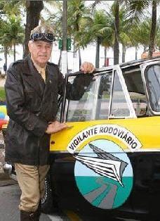 Carlos Miranda - Nasceu no dia 29 de julho de1933, em São Paulo, Capital, no tradicional bairro da Moóca. Quando completou sua maioridade começou a trabalhar como técnico de cinema e a também um curso de teatro amador, oferecida naquela época pela SESI, quando foi escolhido para o papel principal de uma nova produção a ser filmada.