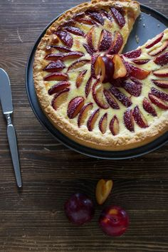 Zwetschgen Vanille Tarte - Sweets for your soul - Kuchen Tart Recipes, Sweet Recipes, Dessert Recipes, German Baking, Sweet Bakery, Sweets Cake, Food Cakes, Cakes And More, Cheesecakes
