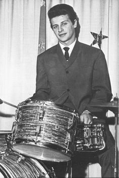 ♡♥Born Nov 24th,1941 British drummer Pete Best is best known for being the drummer of the Beatles before Ringo Starr♥♡