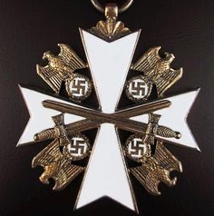 WW2 THIRD REICH ORDER OF THE GERMAN EAGLE - . Solid 900 silver / richly gold plated with fine enamel work, suspension ring marked 900 21 from the famous German war time manufacturer Godet, Berlin.