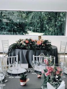 Aranjamente Florale pentru Nunti, buchete, decorațiuni. Calitate și creativitate pentru nunți și botezuri minunate! Suna-ma chiar acum! Floral Wedding, Wedding Flowers, Bucharest, Table Decorations, Bride, Design, Home Decor, Ideas, Wedding Bride