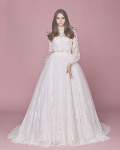 16 Dreamy Wedding Dresses With A Touch of Vintage Elegance!