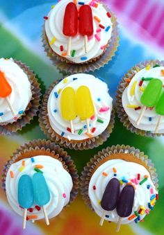 Mini Popsicle Cupcakes Mini Popsicle Cupcakes & Community Post: 12 Popsicle-Themed DIY Projects To Welcome Warm Weather Cupcakes Design, Cupcakes Bonitos, Thanksgiving Cupcakes, Christmas Cupcakes, Popsicle Party, Cupcake Wars, Cupcake Toppers, Cupcake Template, Muffin Cupcake