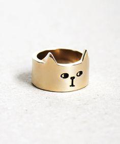 | Cute golden cat. |
