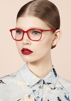 Lunettes Cacharel red glasses and bold visual