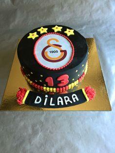 Galatasaray cake Cool Birthday Cakes, Birthday Fun, Betty Crocker, Yummy Cakes, Wedding Cakes, Food And Drink, Desserts, Inspiration, Birthday