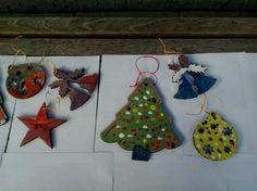 Manualidades en la Beneficència Christmas Ornaments, Holiday Decor, Home Decor, Beautiful Things, Bonito, Manualidades, Homemade Home Decor, Christmas Jewelry, Christmas Ornament