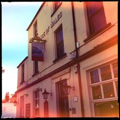 Prince of Wales @ Reigate. My local. Prince Of Wales, Dreams, London, Mansions, House Styles, Places, Home Decor, Decoration Home, Manor Houses