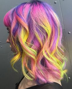 Atomic Sunset on my girl @bambiandpixie when I was in Melbourne again recently. Luuuurve this look #neon #neonhair #hair #brightcolor #haircolor #hairstylist