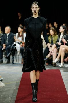 Givenchy Herbst-Winter 2015-2016 Kollektion PFW Check more at https://modenschau.club/givenchy-herbst-winter-2015-2016-kollektion-pfw