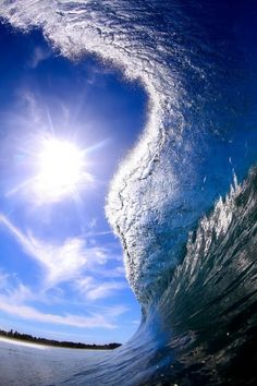 Blue Curl - I love waves so much. All Nature, Amazing Nature, Science Nature, Beautiful Ocean, Beautiful World, Beautiful Places, Water Waves, Sea Waves, Amazing Photography
