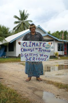 Help Tuvalu! Pin links to information about the King Tide project, highlighting the situation in Tuvalu