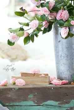 Gorgeous floral vign