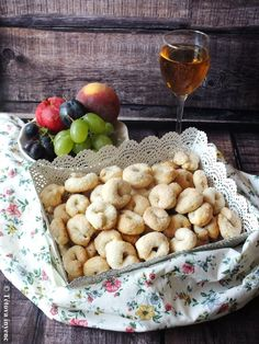 Creative Cakes, Cake Recipes, Cereal, Food And Drink, Cheese, Breakfast, Biscotti, Morning Coffee, Easy Cake Recipes