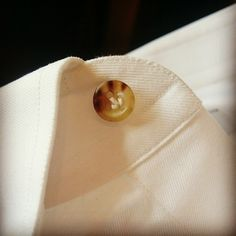 Stitch of real horn button