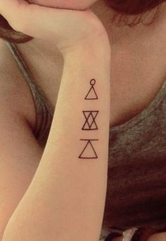 Glyphs tats with learn , connect & challenge