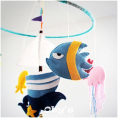 Boat and fishes - Handmade mobile - Nursery - Felt