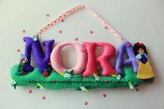 Nombre de fieltro para Nora, Blancanieves / Name Felt Snow White http://accesoriosdulcescaramelos.blogspot.com.es/2014/04/nombre-de-fieltro-para-nora-de.html