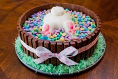 ** This tells how to make a fondant Bunny Butt & without mold's. - The Sweatman Family: Bunny Butt Cake Food Cakes, Cupcake Cakes, Diy Cupcake, Easter Deserts, Easter Treats, Holiday Cakes, Holiday Treats, Christmas Cakes, Nake Cake