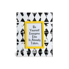 Dieser stylische #Bilderrahmen ist genau das Richtige für dein Lieblingsfoto!#black meets #yellow