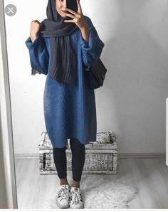 Unique and Creative Arabic Style: Oversized Sweater Hijab Style-Hijabi Street Styl … Nyc Street Style, Rihanna Street Style, European Street Style, Modern Hijab Fashion, Street Hijab Fashion, Muslim Fashion, Modest Fashion, Modest Wear, Modest Dresses