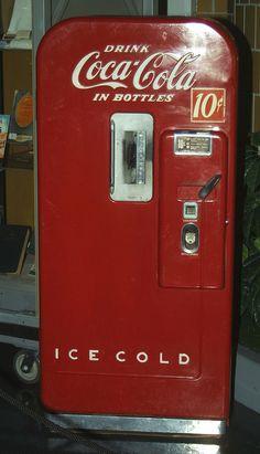 Coke, coca cola Vending Machine 10 cents (with returnable bottles) Coca Cola Vintage, Coca Cola Ad, Always Coca Cola, World Of Coca Cola, Soda Machines, Vending Machines, Coca Cola Decor, Coke Machine, Vintage Advertisements