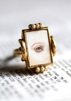 Lover's Eye Candy ring original cameo