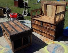 steamer trunk up cycle http://www.hometalk.com/5047896/steamer-trunk-up-cycle?utm_source=all&utm_medium=facebook&utm_campaign=featured