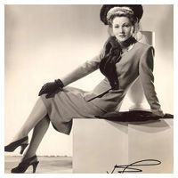 Joan Fontaine ★ Gallery of Movie Star Pin Up Photos, WWII Vintage Pinup Girls: Joan Fontaine ; Copyright free pubic domain photographs, vintage pictures of this beautiful famous celebrity as well a short Joan Fontaine biography, informa Vintage Hollywood, Golden Age Of Hollywood, Hollywood Glamour, Classic Hollywood, Hollywood Stars, Pin Up Vintage, Vintage Beauty, Vintage Hats, Vintage Style
