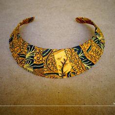 Collier ras du cou/ plastron / ethnique/ tissus batik d'indonésie