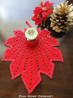 Leaf candle holder for Christmas. Crochet Towel, Diy Crochet And Knitting, Thread Crochet, Filet Crochet, Irish Crochet, Crochet Motif, Crochet Doilies, Crochet Stitches, Crochet Leaves