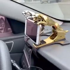 Universal Rotating Car Leopard Phone Clip Holder holds smartphones right above the dashboard by a simple clip,which can move left and right on the dashboard.It ensures clear front driving view without obscuring any viewpoint.