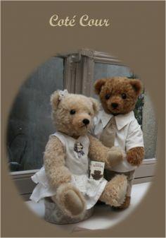 Petit couple d'ours rétro