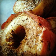 Our healthy dessert for dinner: apples baked with sugar and cinnamon  #healthylifestyle #healthyfood #foodies #foodpornography #foodporn #ilovedesserts #apples #fruitfordesserttonight #ilovecooking #iloveeating #healthyfood #instafoodies #dessertfans #desserts#chef #masterchef #delicious #bistro#restaurant #cinamon #spices #romyapple#healthylifestyle #cookbook #cookingrecipes