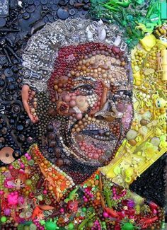 Nelson Mandela - British artist Jane Perkins creates beautiful works of art using everyday objects like marbles, toys or buttons picked up from recycling centers, second-hand shops and junkyards. Mandela Art, Nelson Mandela, Junk Art, Street Art, Art Africain, Found Object Art, Thinking Day, Arte Pop, African American Art