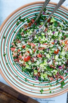 Tabouleh - delicious salad with couscous - aftensmads forslag - Salat Veggie Recipes, Real Food Recipes, Salad Recipes, Snack Recipes, Healthy Recipes, Snacks, Veggie Food, Healthy Food, Tabouleh Salat