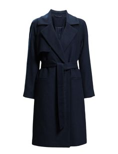 DAY - 2ND Livia Update your winter-wardrobe with this wool-coat from 2ND DAY! 2ND LIVIA is a simple and sophisticated design, a classic cut – but still an edgy attitude. Pair it up with our skinny jeans and a chunky knit.  Inner lining Storm flap Oversized lapel and collar Coat Jacket Winter